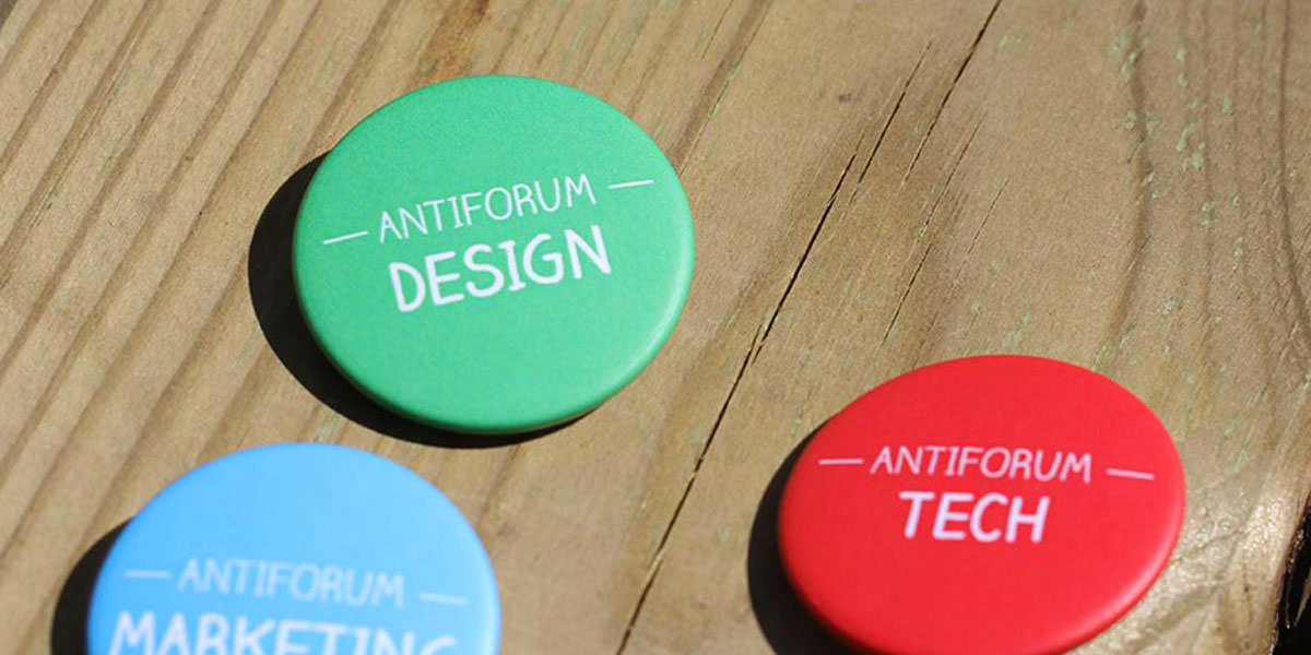Antiforum badges majeures