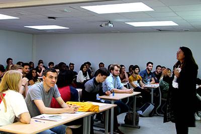 Anne Lalou directice de La Web School et étudiants